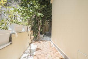 monolocale con giardino